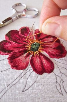 Wonderful Ribbon Embroidery Flowers by Hand Ideas. Enchanting Ribbon Embroidery Flowers by Hand Ideas. Silk Ribbon Embroidery, Crewel Embroidery, Vintage Embroidery, Cross Stitch Embroidery, Flower Embroidery, Embroidery Hoops, Simple Embroidery, Embroidery Needles, Japanese Embroidery