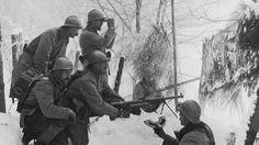 Une section de mitrailleurs équipée d'un FM Chauchat dans les Vosges (détail).