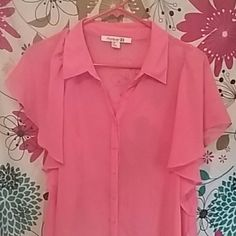 Forever21 blouse Sheer, coral colored. Very cute. Perfect for summer Tops Blouses