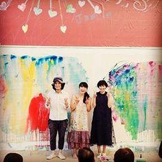 日曜日、十和田市現代美術館にて コウちゃん、シュンスケさんと ライブでした。シュンスケさんのピアノにリハから感動。コウちゃんの歌声にリハから、うるっと。りんごの絵になりました。あと、森。 おふたりのハーモニー、素晴らしかった。ありがとう! #柴咲コウ#渡辺シュンスケ#続こううたう#名盤#発売おめでとう