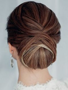Formal Hairstyles: 10 Looks for Any Occasion : formal hair chignon Low Bun Hairstyles, My Hairstyle, Elegant Hairstyles, Formal Hairstyles, Wedding Hairstyles, Hairstyle Ideas, Bridesmaid Hairstyles, Gorgeous Hairstyles, Parting Hair