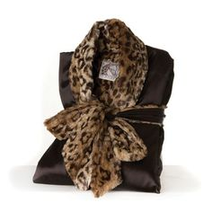 Take a walk on the wild side with the incredibly soft, sassy & stylish Luxe Leopard Collection, a gorgeous addition to any wardrobe. Awesome during pregnancy and a great item to bring to the hospital for delivery. This is a very popular gift for new moms. Little Giraffe, Barefoot Dreams, Gifts For New Moms, Well Dressed, Different Styles, Lounge Wear, Cover Up, Stylish, Lady