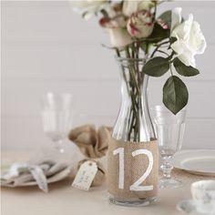 Numéros de table originaux en toile de jute – Décoration Mariage