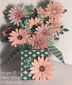 Delightful Daisy exploding box card Tranquil Tide, Powder Pink, Berry Burst Annual Catalogue 2017-2018