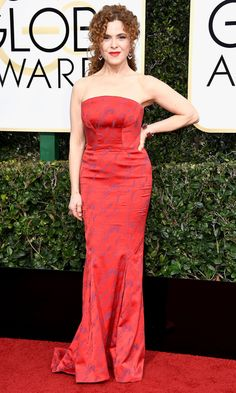 BERNADETTE PETERS on the Red Carpet at the 2017 Golden Globes