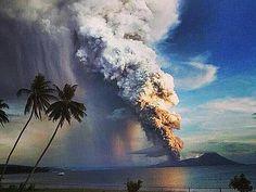 8月29日、パプアニューギニアで火山が噴火