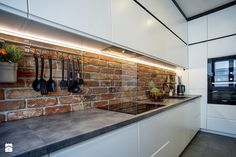 MIESZKANIE Z CEGŁĄ - Średnia otwarta kuchnia w kształcie litery l, styl nowoczesny - zdjęcie od DALMIKO DESIGN Pracownia Projektowa