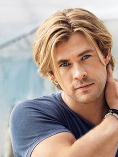 Chris Hemsworth, Australian actor and model Boys Long Hairstyles, Undercut Hairstyles, Haircuts For Men, Surfer Hairstyles, Chris Hemsworth Hair, Hemsworth Brothers, Beard Styles, Blond, Beautiful Men