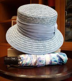 Aún quedan días de #verano. . . . #últimos #moda #sombreros #paraguas #Sombrerería #tiendaonline #Oviedo #Asturias #tiendasdesiempre #tiendasconencanto #otoño #complementos