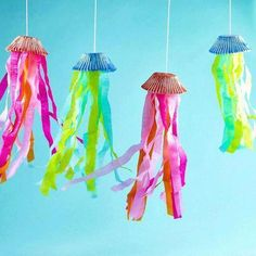 Creative Crafts, Easy Crafts, Diy And Crafts, Wood Crafts, Creative Art, Diy Party Dekoration, Colorful Jellyfish, Jellyfish Light, Colorful Fish