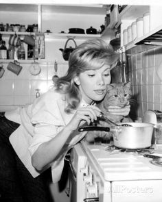 Susan Hampshire, (born 12 May English actress. Cooking with her cat. People Photography, Portrait Photography, Monarch Of The Glen, Elizabeth Montgomery, Foreign Movies, Orson Welles, Celebrity Portraits, English Actresses, Movie Photo