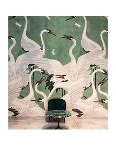 Heron Gucci Wallpaper 2019 Design Trend - Consider this the wallpaper of the year. From Gucci's inaugural home decor line comes a print so - Green Wallpaper, Home Wallpaper, Pattern Wallpaper, Print Wallpaper, Flamingo Wallpaper, Amazing Wallpaper, Bird Wallpaper, Painting Wallpaper, Bathroom Wallpaper