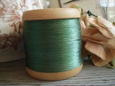 LRG ANTIQUE VINTAGE FRENCH SPOOL GREEN SILK EMBROIDERY SEWING THREAD MILLINERY