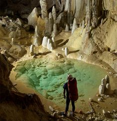 Lechuguilla, pool, clear, cave, caving