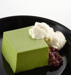 伊藤園の商品を使用した抹茶ババロアのお料理レシピです。 Jelly Desserts, Asian Desserts, Fun Desserts, Sweets Recipes, Real Food Recipes, Cake Recipes, Yummy Food, Matcha Dessert, Matcha Cake