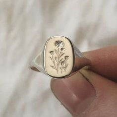 Cute Jewelry, Jewelry Rings, Jewelry Accessories, Gemstone Jewelry, Piercings, Accesorios Casual, Signet Ring, Swagg, Silver Rings