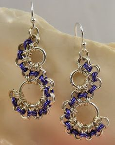 Sweet Freedom Designs: Japanese Lace Earrings,,,,,,Here are the chainmaille earrings I made to match my Viperscale bracelet. This is a Japanese-maille pattern, which always gives a lacy look to designs.