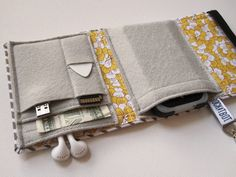 Nerd Herder gadget wallet in Pert Peony for iPod, Droid, iPhone, camera, earbuds, SD cards, USB, extra batteries, guitar picks,