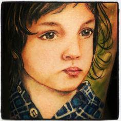 Child portrait tattoo for dad's, çocuğunun resmini dovme yaptırmak her babanın harcı değildir
