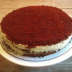 Dronning Maud kake til helgen – Fru Haaland Pudding Desserts, Tiramisu, Nom Nom, Cake Recipes, Biscuits, Food And Drink, Favorite Recipes, Sweets, Cookies