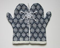 Ravelry: Project Gallery for First Snow Mittens pattern by yellowcosmo