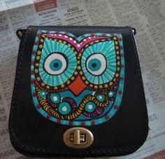 bolso de cuero argentino pintado a mano cuero,tintes,barnices cosido y pinado