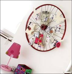 old bike wheel memo holder - my daughter would love this!
