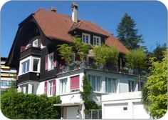BnB Daisy - Bed and Breakfast Daisy Thun Switzerland Thun Switzerland, Daisy, Bed And Breakfast, Mansions, House Styles, Home Decor, Tips, Pictures, Decoration Home