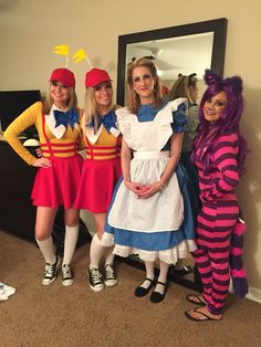 Tweedle Dee, Tweedle Dum, Alice, & the Cheshire Cat.   #aliceinwonderland #groupcostumes