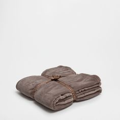 MINK-COLOURED FLEECE BLANKET - Blankets - Bedroom | Zara Home Portugal