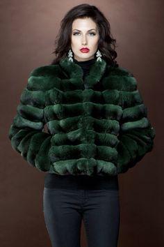 Natalie Portman fur fake 05 (chinchilla) by ElisabetaM on DeviantArt Natalie Portman, Fur Fashion, Winter Fashion, Kimono Fashion, Chinchilla Coat, Stunning Brunette, Fox Fur Coat, Fur Coats, Fabulous Furs