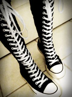 Converse super high tops The sneakers of my dreams Knee High Converse, Converse Chucks, Galaxy Converse, Knee High Sneakers, Converse Style, Converse Tumblr, Cute Shoes, Me Too Shoes, Emo Shoes