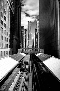 """chicago """"l"""" train, chicago brown line, chicago architecture photography, black and white photography, chicago loop Line Photography, Chicago Photography, Photography Workshops, Vintage Photography, Black And White Building, Black And White Picture Wall, Chicago Art, Chicago Loop, Chicago Pictures"""