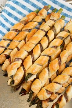 Puff Pastry and Prosciutto Wrapped Asparagus