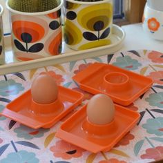 3 coquetiers plastique orange vintage - deco-graphic.com