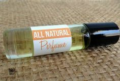 Make your own all-natural perfume with only oil and essential oils. Smells so much better than store-bought perfume! Essential Oil Perfume, Essential Oil Uses, Doterra Essential Oils, Perfume Oils, Homemade Perfume, Perfume Recipes, Diy Lotion, Homemade Beauty, Homemade Facials
