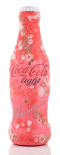 Tribute to Fashion — Coca-Cola Light (same as Diet coke)Fashion Show in Milan, Italy! Pink Love, Pretty In Pink, Garrafa Coca Cola, Coca Cola Light, Rose Fuchsia, Coral Pink, Always Coca Cola, Coca Cola Bottles, Coke Cans