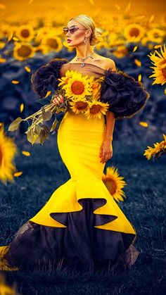 Vogue Photography, Fantasy Photography, Beauty Photography, Girls With Flowers, Dark Flowers, Mellow Yellow, Black N Yellow, Beautiful Gif, Beautiful Women