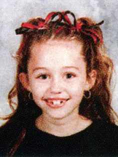 Miley Cyrus when she was seven😂😱😱😱