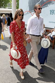 Pippa Middleton and James Matthews at French Open in Paris Pippa And James, Kate And Pippa, Pippa Middleton Dress, Middleton Family, Disney Inspired Fashion, Inspired Outfits, Disney Fashion, Espadrilles Outfit, Taylor Swift Outfits