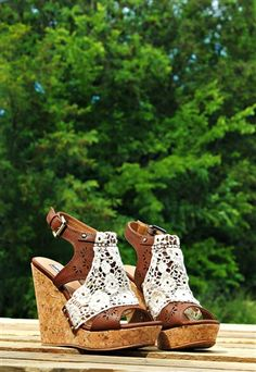 Love these wedges! The color, heel height, and lace detail.