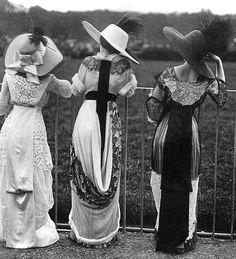 Edwardian Fashion - 1910