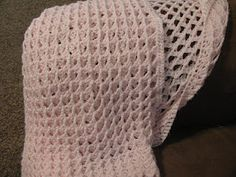 I love the stitch in this Afghan...free pattern & link to No Foundation Chain Tutorial.