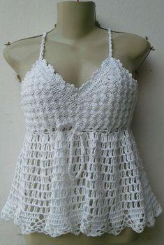 Batinha em croche feito com linha de algodão.Informe seu tamanho e sua cor preferida.Com cordão regulador. Crochet Bra, Crochet Woman, Crochet Blouse, Crochet Clothes, White Crochet Top, Crochet Crop Top, Crochet Squares, Knitted Blankets, Crochet Fashion