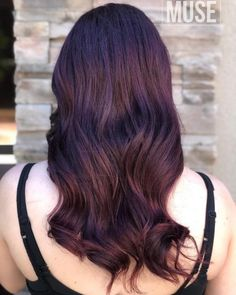15 Best Maroon Hair Color Ideas of 2019 - Dark, Black & Ombre Colors Erstaunliche Maroon Purple Blen Maroon Hair Colors, Violet Hair Colors, Vibrant Hair Colors, Bright Red Hair, Hair Color Pink, Mauve, Red Violet Hair, Red Curls, Guy Tang