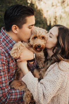 Puppy Love Couple's Photography Woods Photography, Couple Photography Poses, Adventure Photography, Wedding Photography, Anniversary Photography, Photos With Dog, Family Photos, Summer Couples, Cute Couples Photos