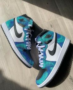 Cute Nike Shoes, Cute Sneakers, Shoes Sneakers, Jordan Sneakers, Jordan Shoes Girls, Girls Shoes, Nike Shoes Air Force, Swag Shoes, Fresh Shoes