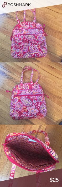 Vera Bradley long tote Raspberry Fizz, talk zip top tote, two outside pockets, 3 inside slip pockets, 1 long zipper pocket on the inside and outside, lots of pockets, very cute for summer! Vera Bradley Bags Totes