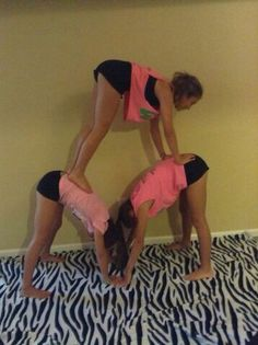 Easy acro stunt for 3 people