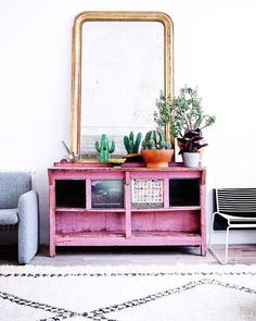 Sunday inspiration . Give us some pink (and green and gold)!  More inspiration on: http://ift.tt/1S1nxxj  by moonloft